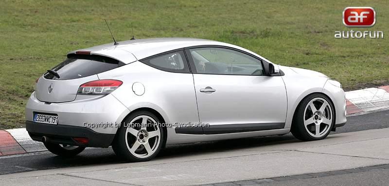 Spy Photos: Megane Coupe Renault Sport: - fotka 10