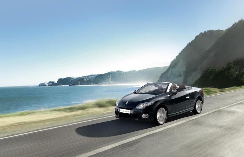 Renault Mégane CC: když střecha, tak skleněná (podrobnější informace a velká fotogalerie): - fotka 35