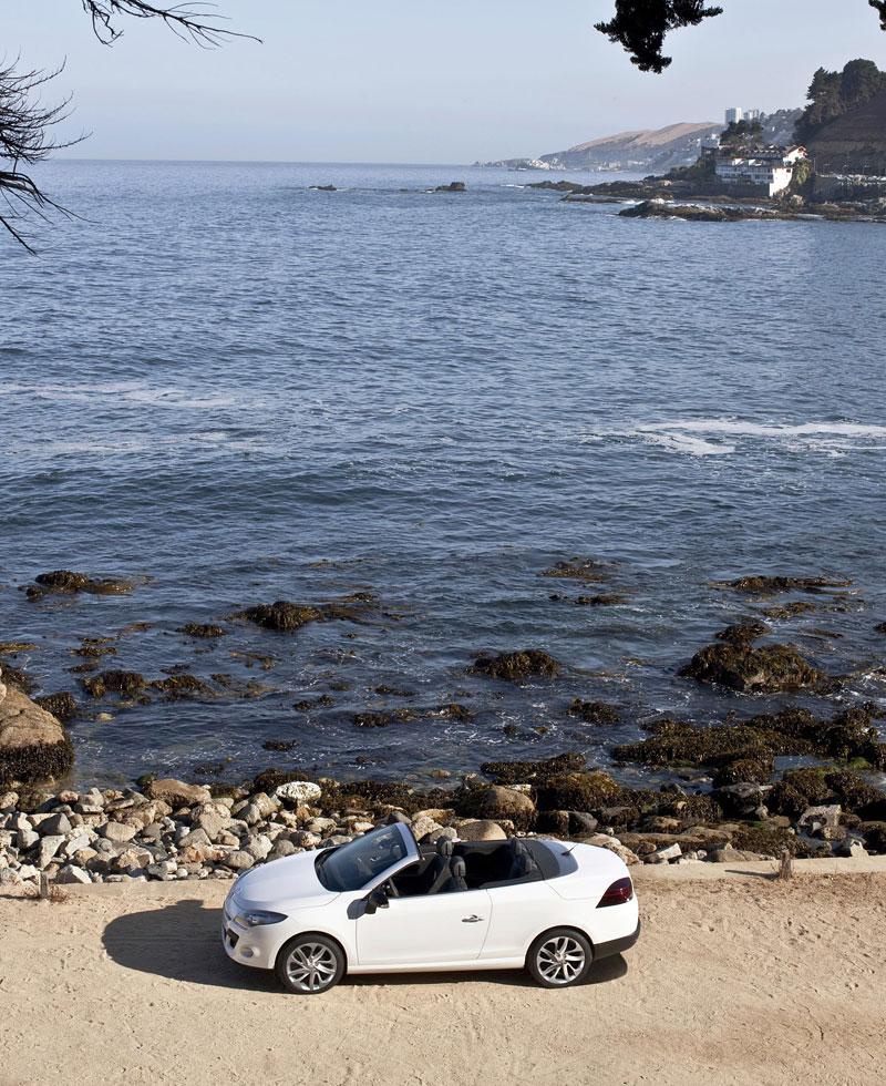 Renault Mégane CC: když střecha, tak skleněná (podrobnější informace a velká fotogalerie): - fotka 44