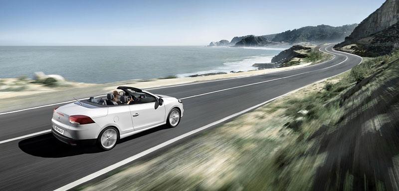 Renault Mégane CC: když střecha, tak skleněná (podrobnější informace a velká fotogalerie): - fotka 61