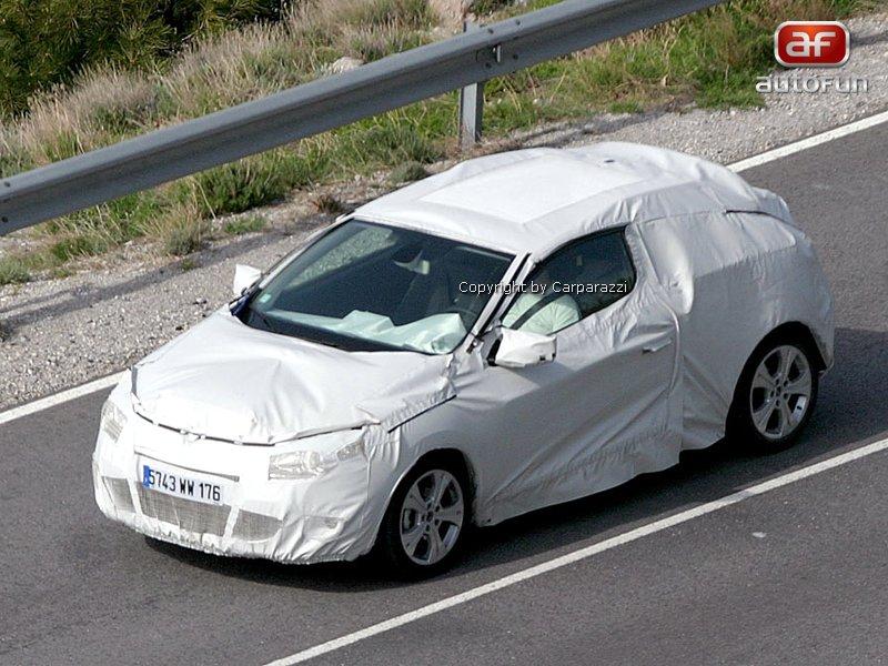 Spy Photos: Renault Megane Coupe: - fotka 1