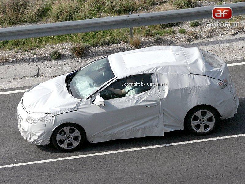 Spy Photos: Renault Megane Coupe: - fotka 3