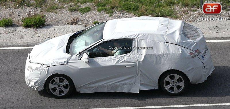 Spy Photos: Renault Megane Coupe: - fotka 4