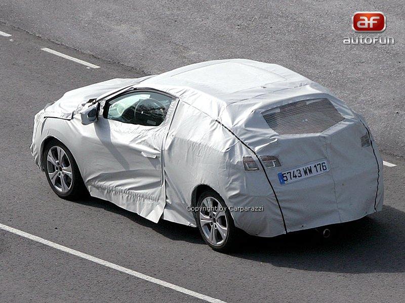 Spy Photos: Renault Megane Coupe: - fotka 5
