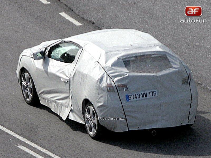Spy Photos: Renault Megane Coupe: - fotka 6
