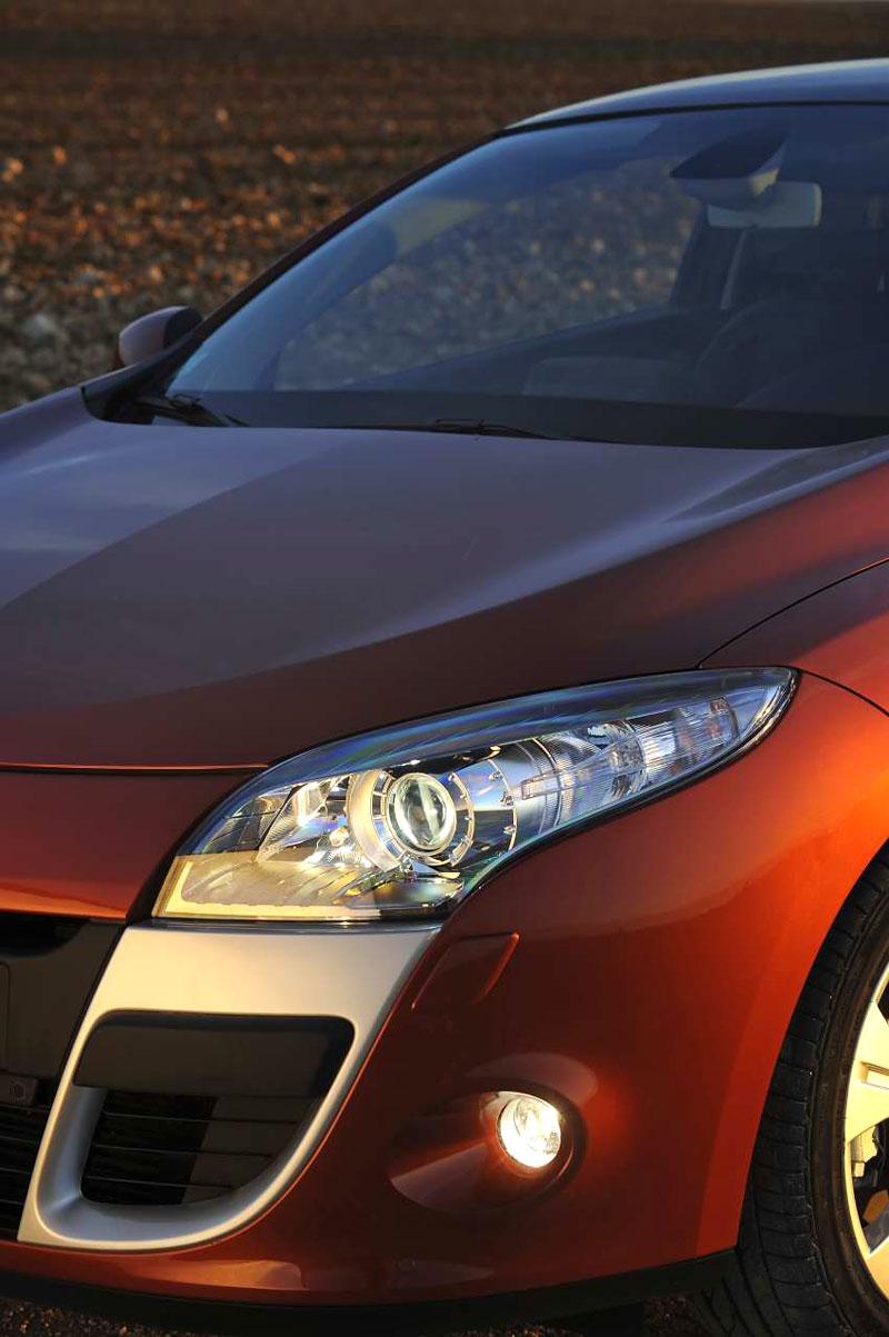 Za volantem: Renault Mégane Coupé: - fotka 33