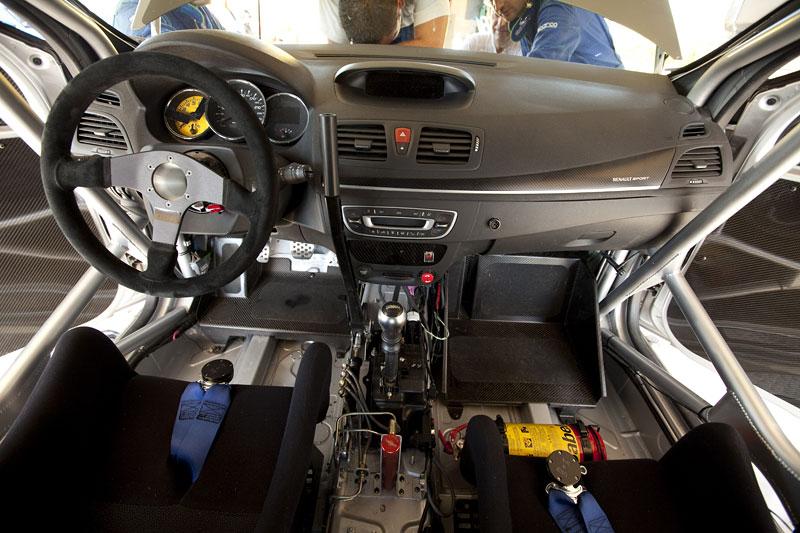 Renault představuje Megane RS v rallyové specifikaci N4: - fotka 1