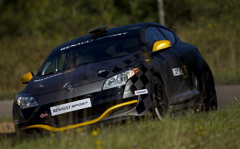 Renault představuje Megane RS v rallyové specifikaci N4: - fotka 12