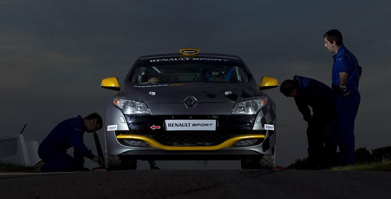 Renault představuje Megane RS v rallyové specifikaci N4: - fotka 18