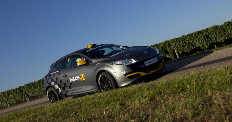 Renault představuje Megane RS v rallyové specifikaci N4: - fotka 23