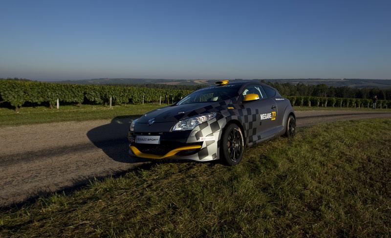 Renault představuje Megane RS v rallyové specifikaci N4: - fotka 24