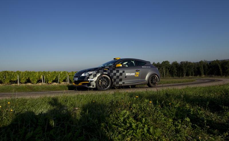 Renault představuje Megane RS v rallyové specifikaci N4: - fotka 25