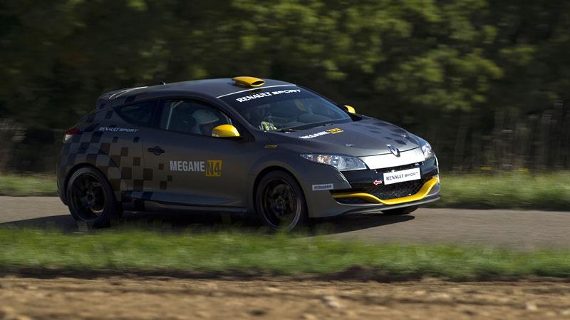 Renault představuje Megane RS v rallyové specifikaci N4: - fotka 28