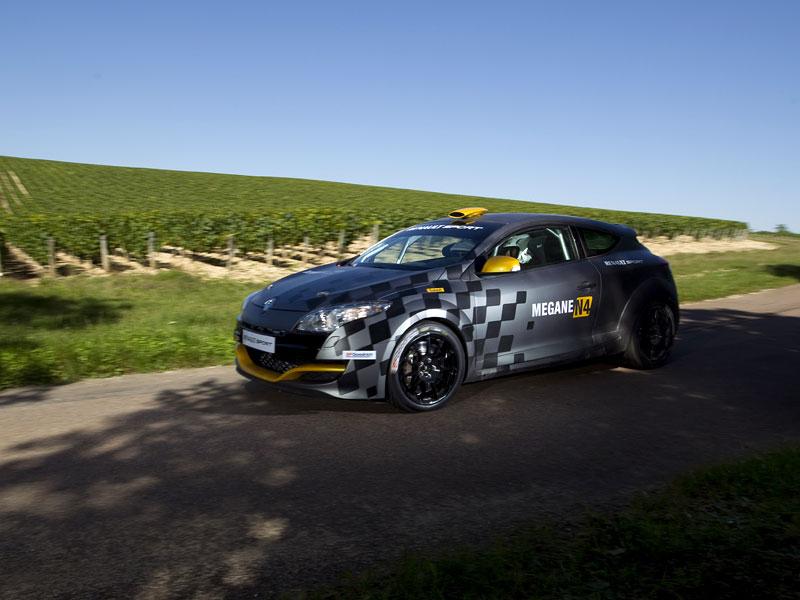 Renault představuje Megane RS v rallyové specifikaci N4: - fotka 32