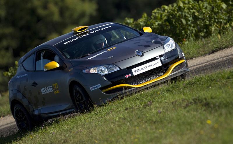 Renault představuje Megane RS v rallyové specifikaci N4: - fotka 34