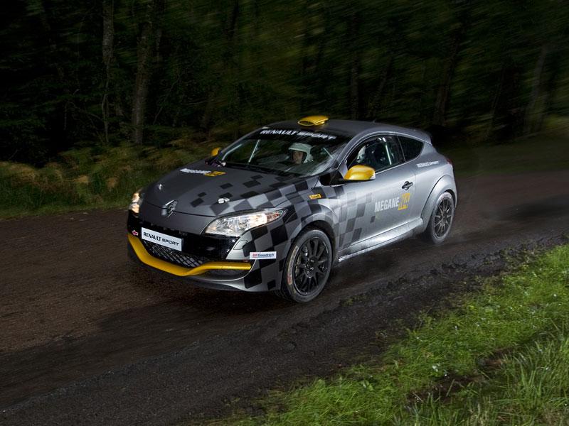 Renault představuje Megane RS v rallyové specifikaci N4: - fotka 38