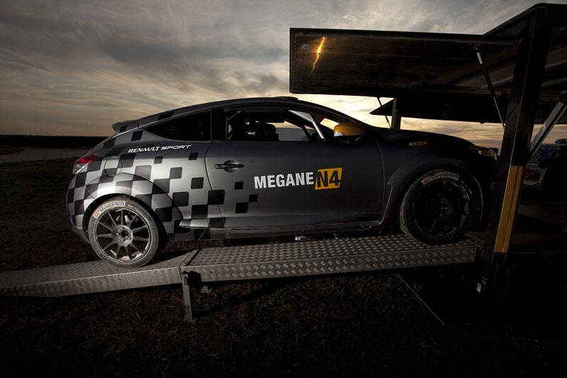 Renault představuje Megane RS v rallyové specifikaci N4: - fotka 39