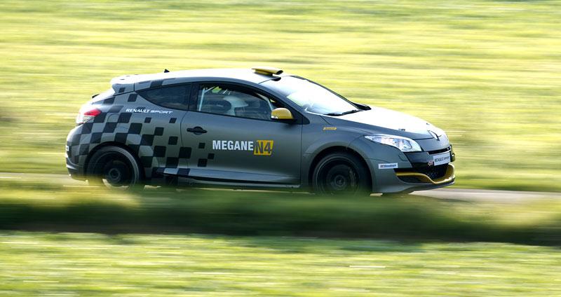 Renault představuje Megane RS v rallyové specifikaci N4: - fotka 49