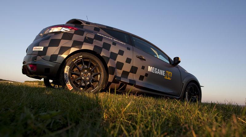 Renault představuje Megane RS v rallyové specifikaci N4: - fotka 52