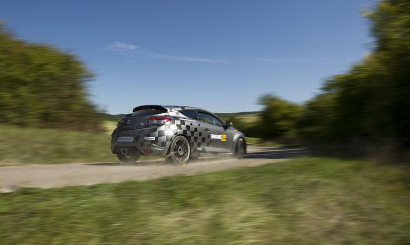 Renault představuje Megane RS v rallyové specifikaci N4: - fotka 54