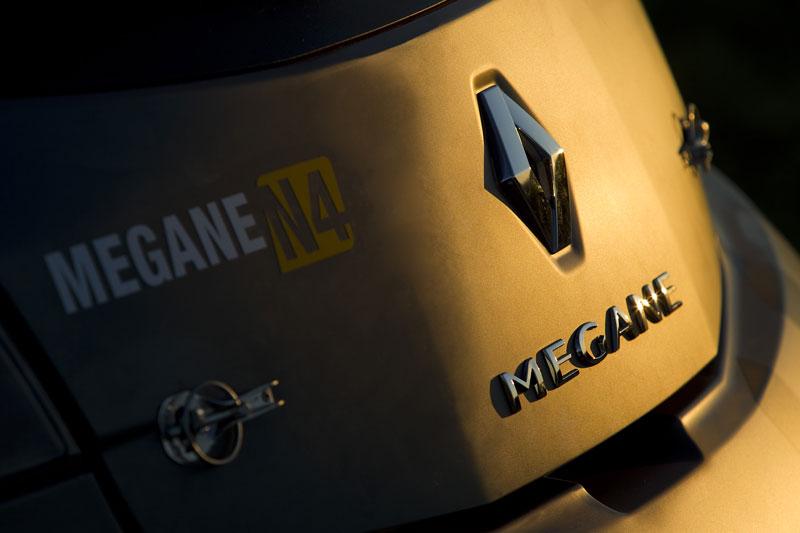 Renault představuje Megane RS v rallyové specifikaci N4: - fotka 84