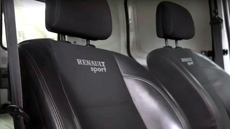 Tenhle Renault Kangoo je dokonalý sleeper. Ukrývá motor z Méganu R.S.: - fotka 2