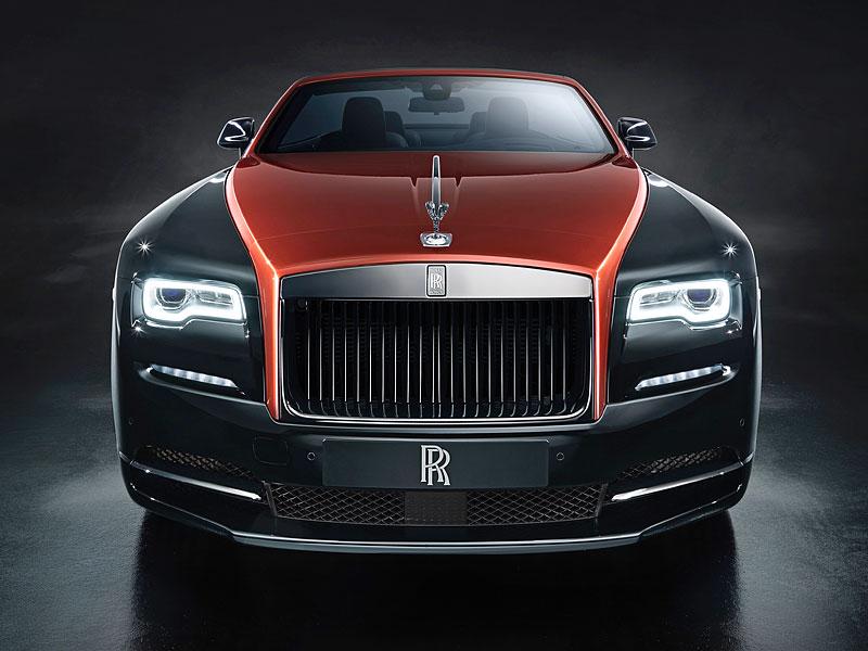 Rolls-Royce ukázal nejzajímavější zakázky loňského roku. Je mezi nimi i auto vzdávající poctu československým pilotům: - fotka 2