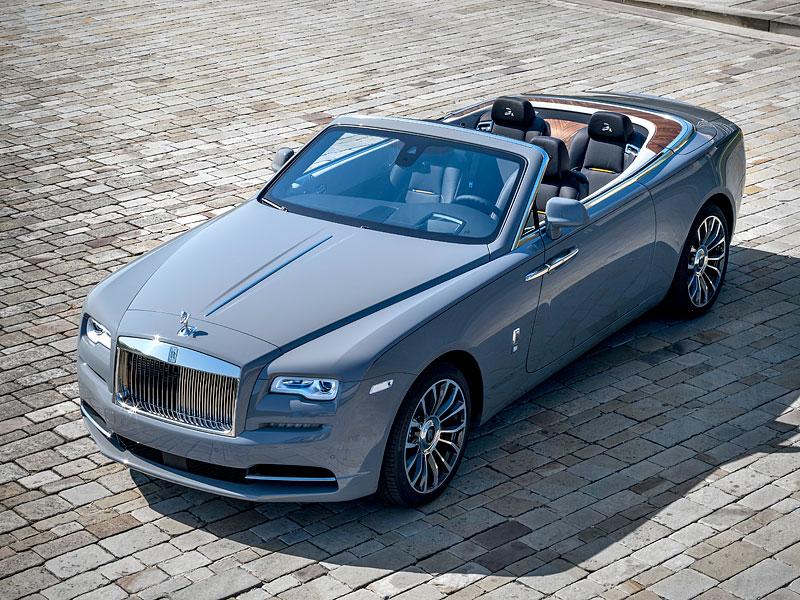 Rolls-Royce ukázal nejzajímavější zakázky loňského roku. Je mezi nimi i auto vzdávající poctu československým pilotům: - fotka 8