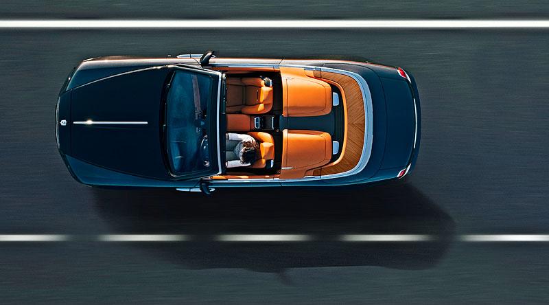 Rolls-Royce ukázal nejzajímavější zakázky loňského roku. Je mezi nimi i auto vzdávající poctu československým pilotům: - fotka 10