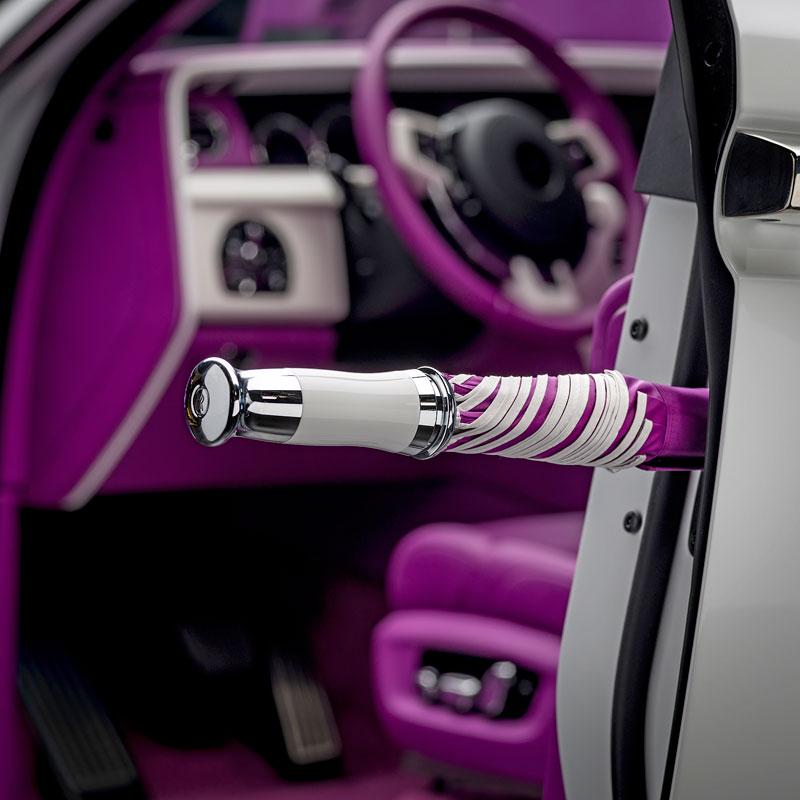 Rolls-Royce ukázal nejzajímavější zakázky loňského roku. Je mezi nimi i auto vzdávající poctu československým pilotům: - fotka 12