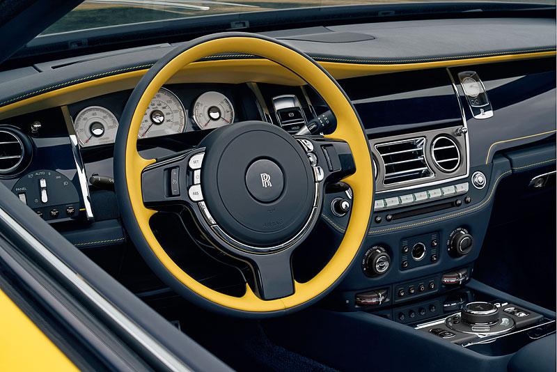 Rolls-Royce ukázal nejzajímavější zakázky loňského roku. Je mezi nimi i auto vzdávající poctu československým pilotům: - fotka 19