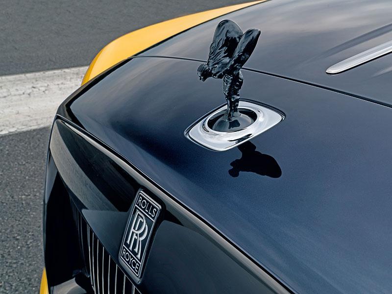 Rolls-Royce ukázal nejzajímavější zakázky loňského roku. Je mezi nimi i auto vzdávající poctu československým pilotům: - fotka 21