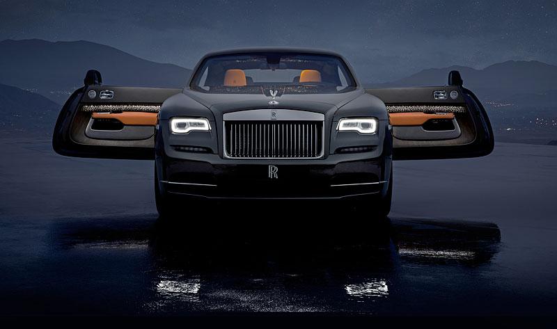 Rolls-Royce ukázal nejzajímavější zakázky loňského roku. Je mezi nimi i auto vzdávající poctu československým pilotům: - fotka 29