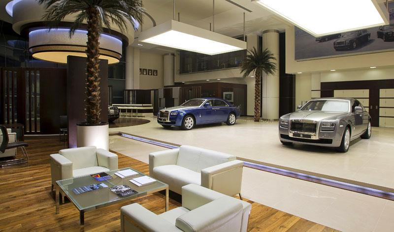 Největší prodejna Rolls-Royce je v Abu Dhabi: - fotka 1