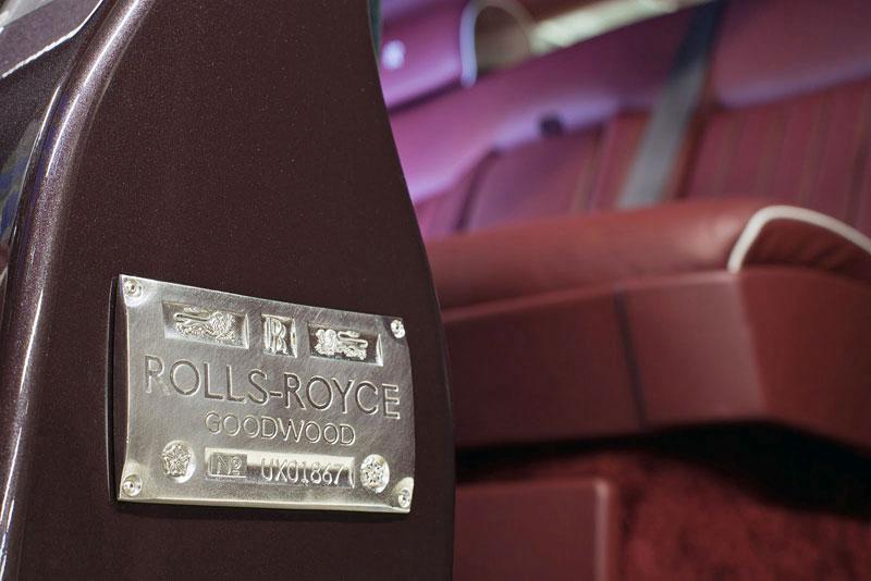 Největší prodejna Rolls-Royce je v Abu Dhabi: - fotka 4