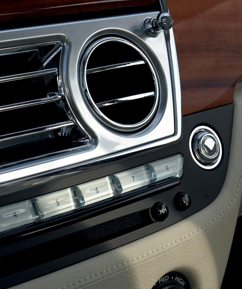 Rolls-Royce Ghost: konfigurátor pro iPhone a iPod Touch: - fotka 9
