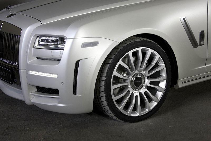 Mansory White Ghost Limited: nehledáte náhodou limuzínu?: - fotka 14