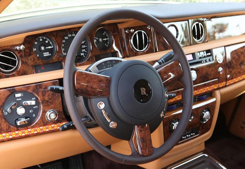 Rolls-Royce Phantom: speciality pro Spojené arabské emiráty: - fotka 11