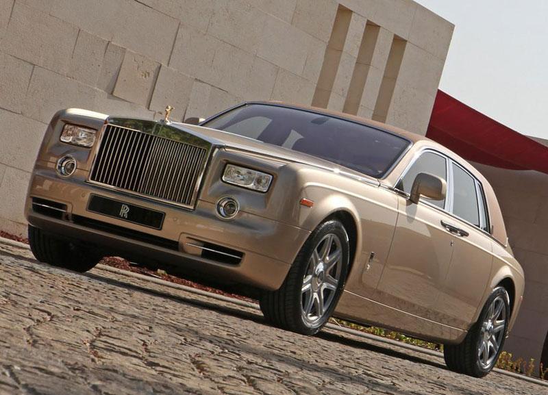 Rolls-Royce Phantom: speciality pro Spojené arabské emiráty: - fotka 13