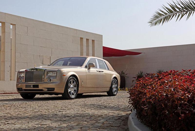 Rolls-Royce Phantom: speciality pro Spojené arabské emiráty: - fotka 15