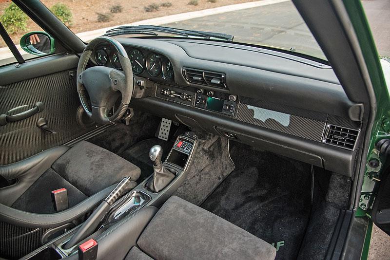 Znáte RUF Turbo R? Je to moderní bestie s duchem 90. let. Vzniklo jen 7 exemplářů: - fotka 4