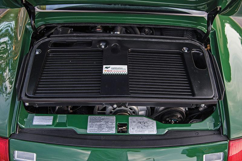 Znáte RUF Turbo R? Je to moderní bestie s duchem 90. let. Vzniklo jen 7 exemplářů: - fotka 19