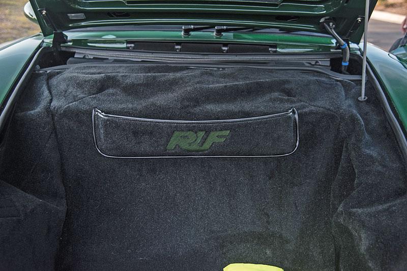 Znáte RUF Turbo R? Je to moderní bestie s duchem 90. let. Vzniklo jen 7 exemplářů: - fotka 20