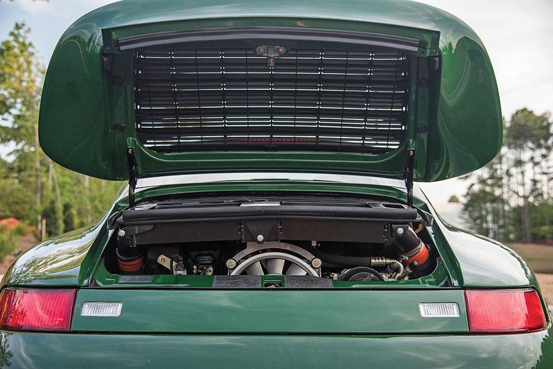 Znáte RUF Turbo R? Je to moderní bestie s duchem 90. let. Vzniklo jen 7 exemplářů: - fotka 22