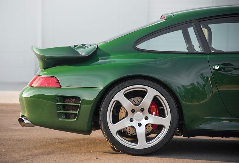 Znáte RUF Turbo R? Je to moderní bestie s duchem 90. let. Vzniklo jen 7 exemplářů: - fotka 26