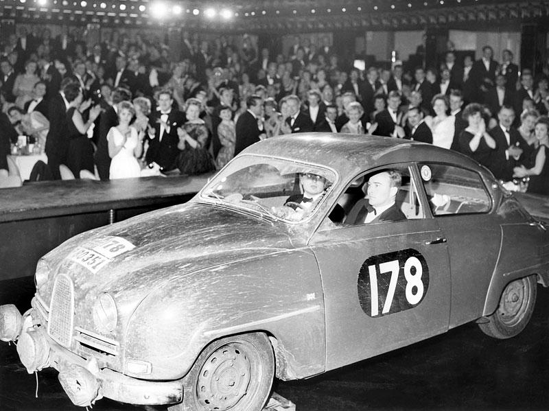 Saab si připomíná první vítězství na RAC Rally: - fotka 8