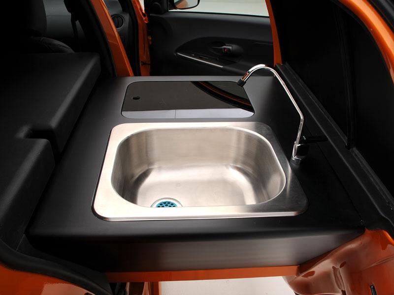 2009 SEMA: Scion Kogi xD je pojízdná kuchyň!: - fotka 7