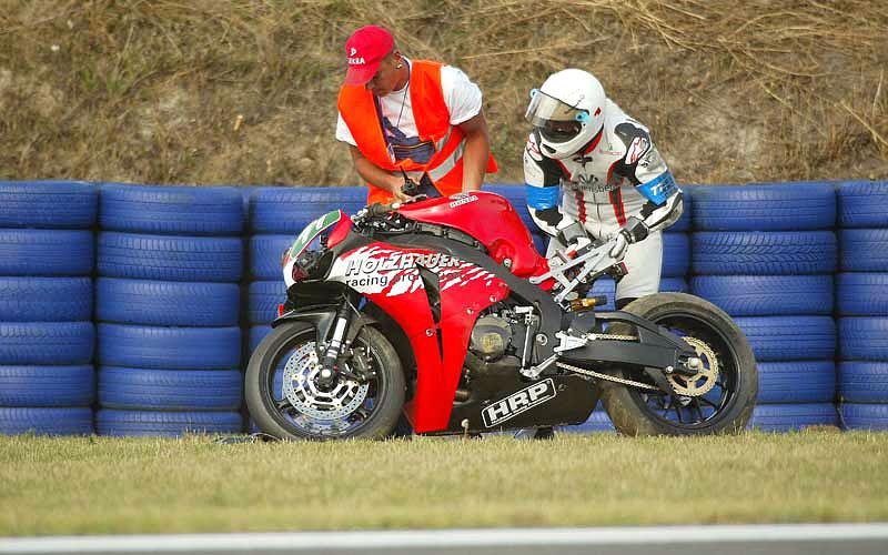 M. Schumacher opět spadl z motorky: - fotka 1
