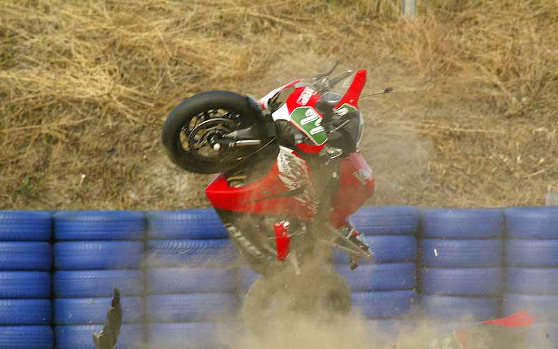 M. Schumacher opět spadl z motorky: - fotka 2