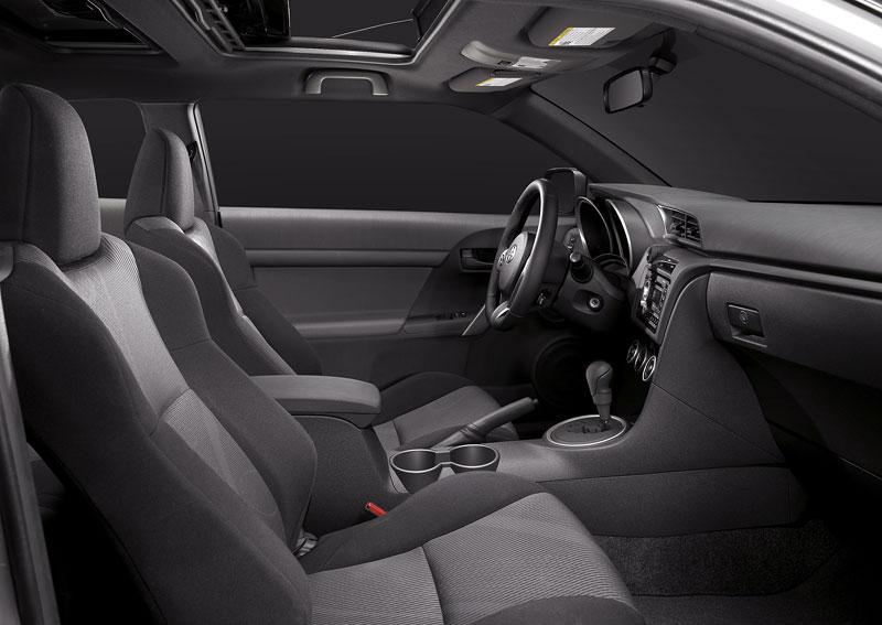 Scion tC Coupe: premiéra druhé generace v New Yorku: - fotka 9